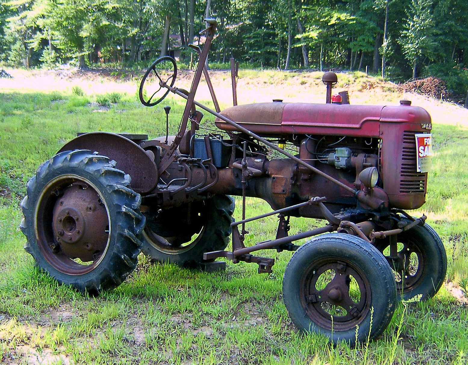 Antique tractor for sale love 39 s photo album for Garden machinery for sale