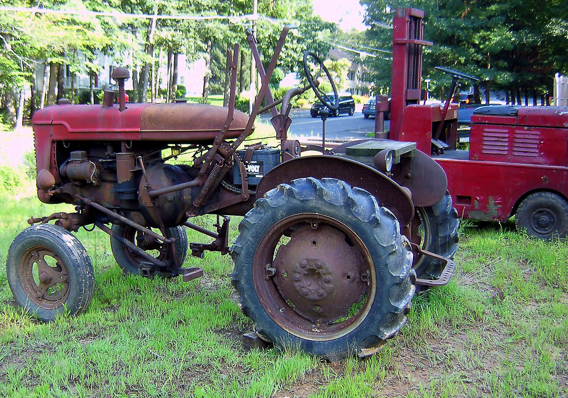 Old Gibson Tractors http://lovesphotoalbum.com/2011/08/25/antique-tractor-fork-lift-for-sale/