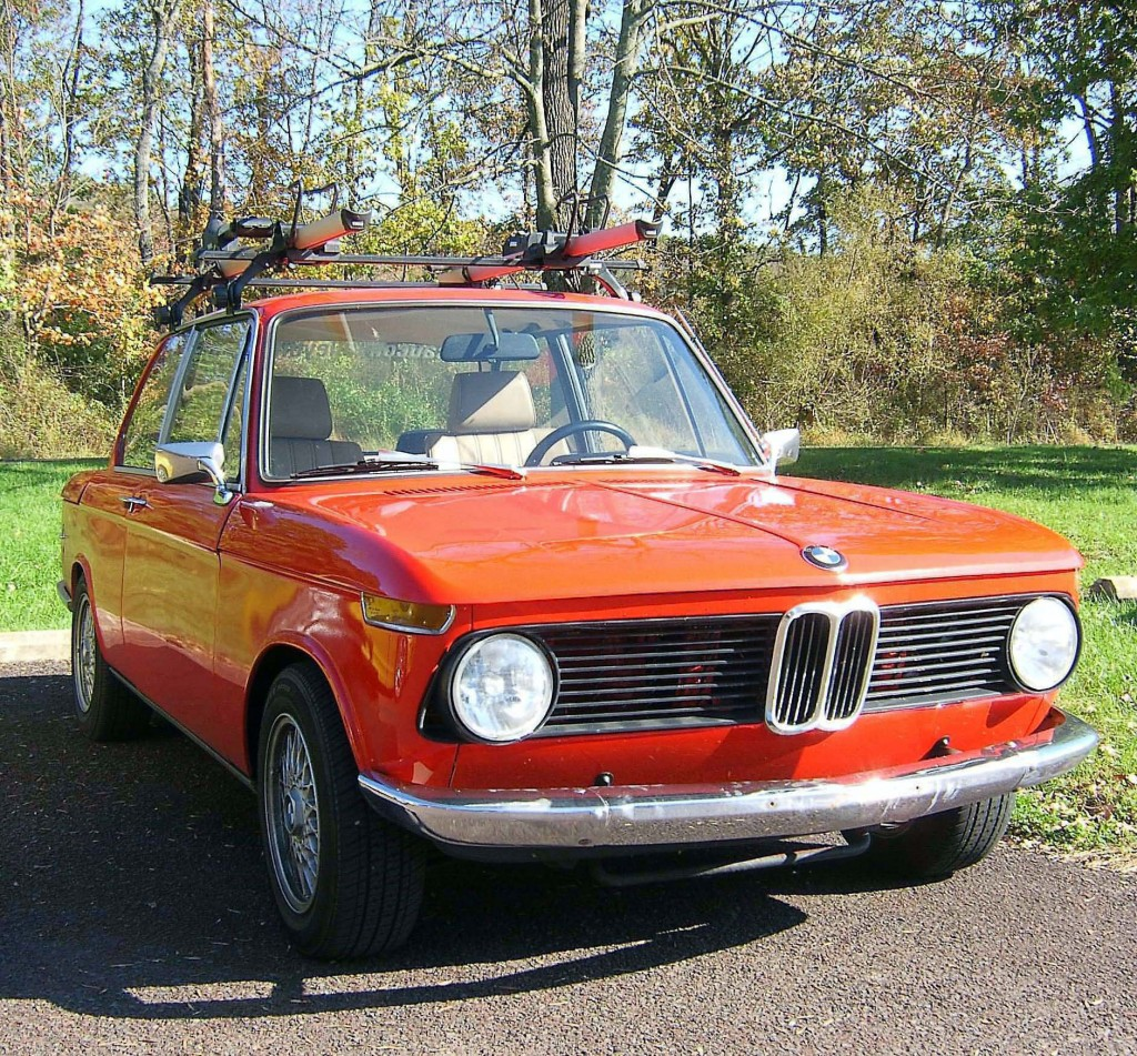 ANTIQUE 1969 BMW 2002 SEDAN