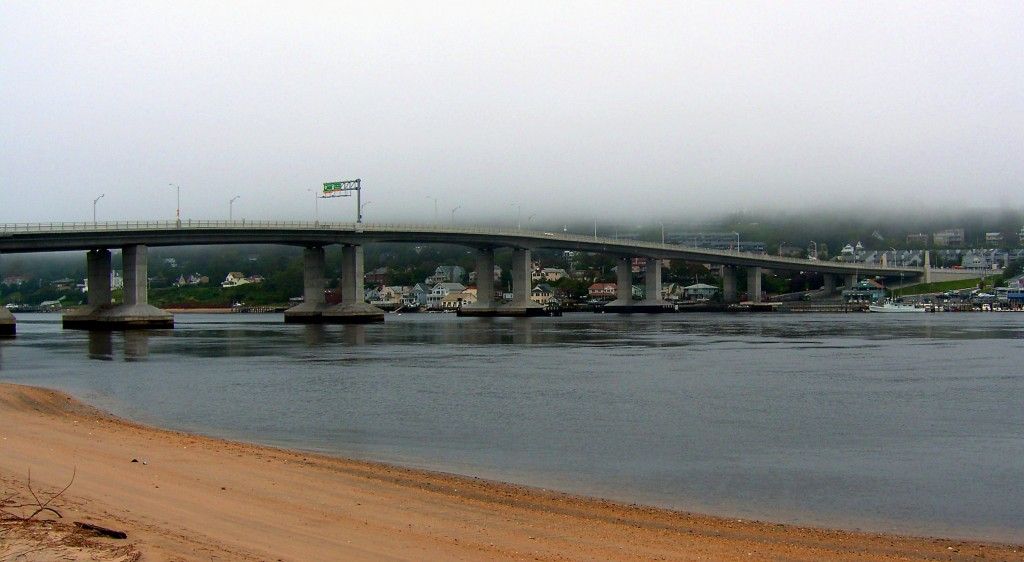 AFTERNOON FOG ON HIGHLANDS RT36 BRIDGE