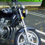 FRONT VIEW OF 1992 HONDA NIGHTHAWK FORKS & 4 CYLINDER 750CC ENGINE