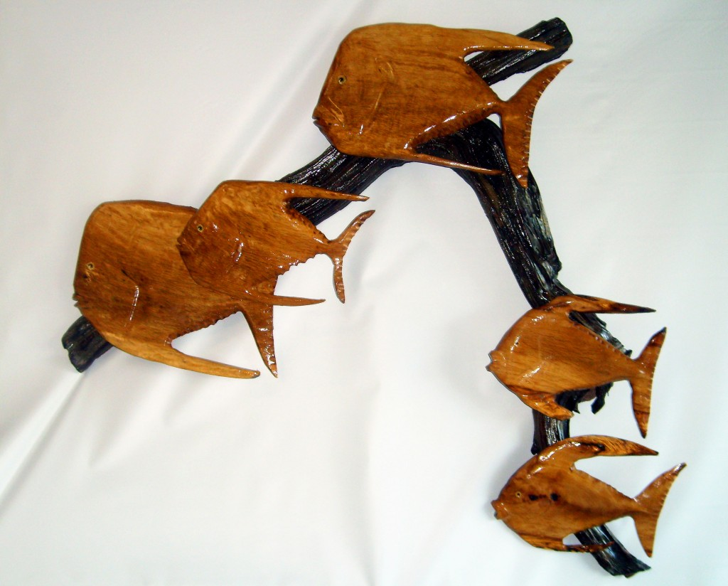 Driftwood Mounted Fish Family Wall Decor