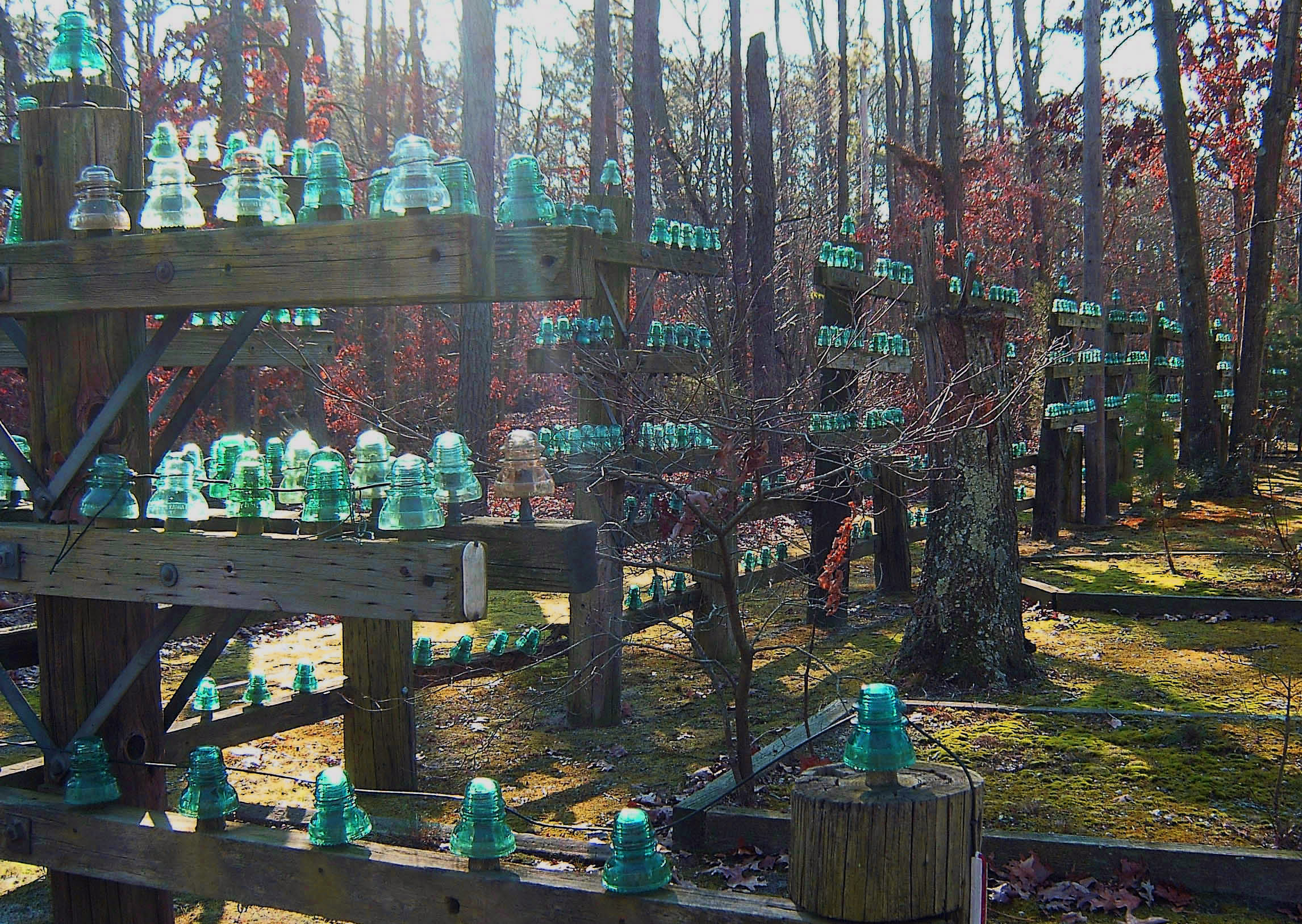 Unique front yard fence landscaping love 39 s photo album for Unique yard decorations