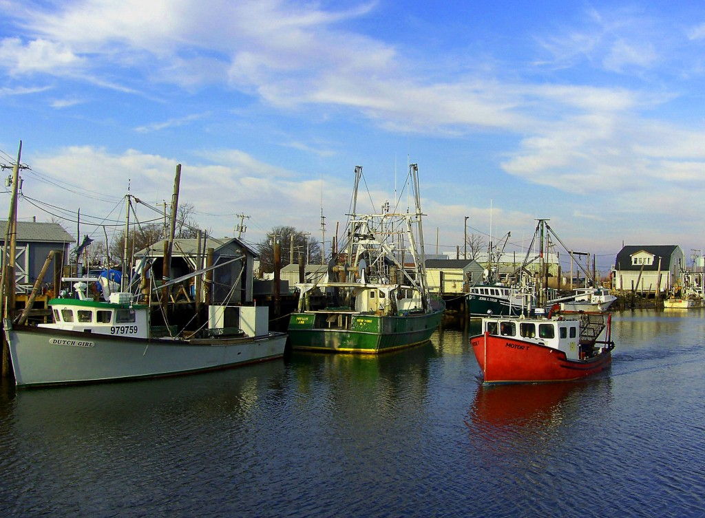 Quiet winter day in new jersey fishing village love 39 s for Fishing in nj