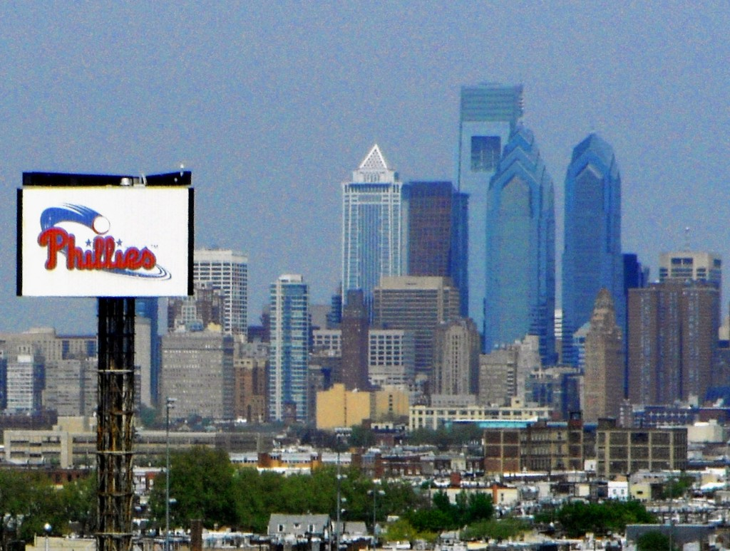 Phillies Sign With Philly Skyline