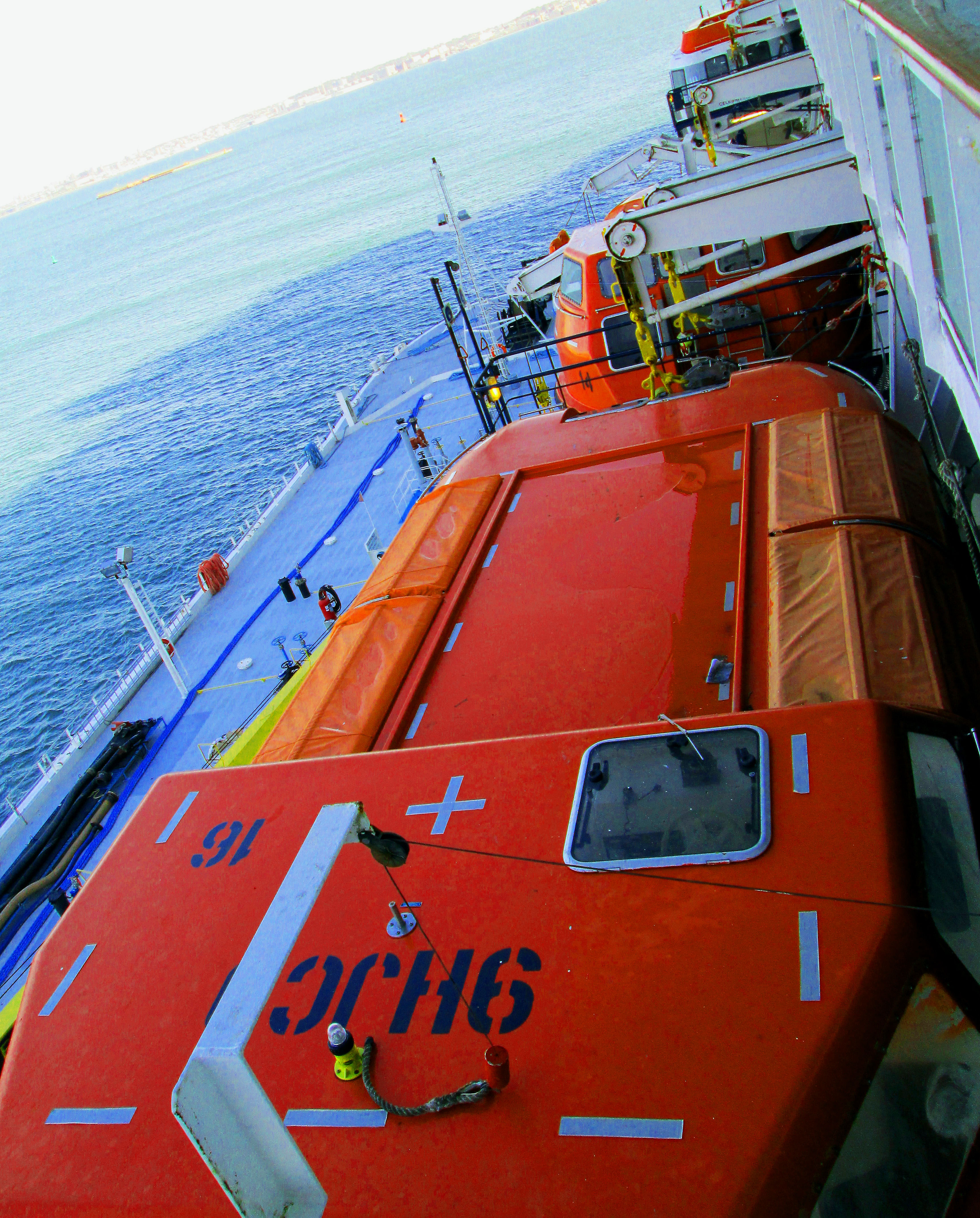 Safety Boats on Cruise Ships Life Boats on Cruise Ship