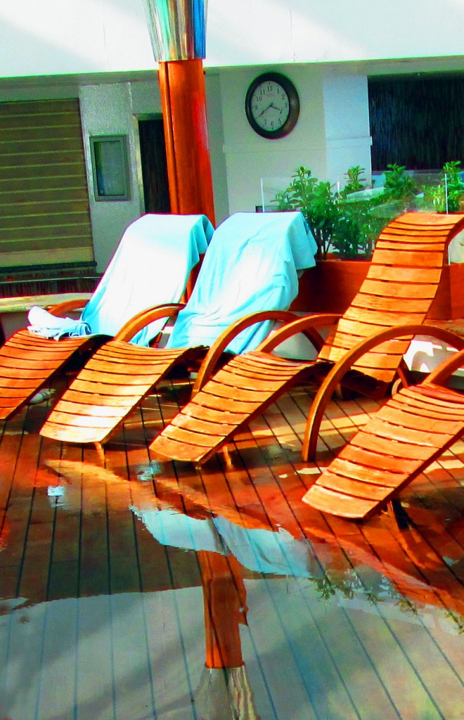 Spa Lounge Deck Chairs