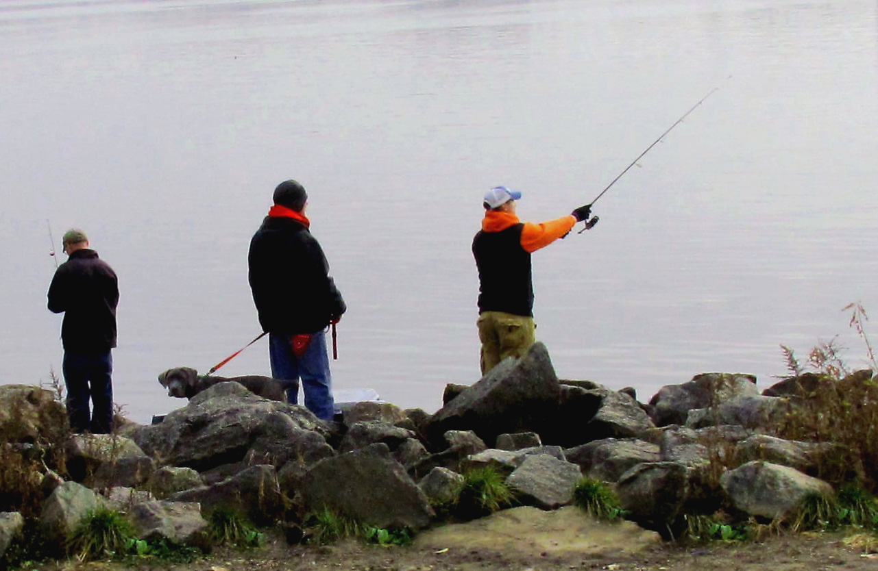 Winter-Fishing-The-Delaware-At-Penn-Treaty-Park