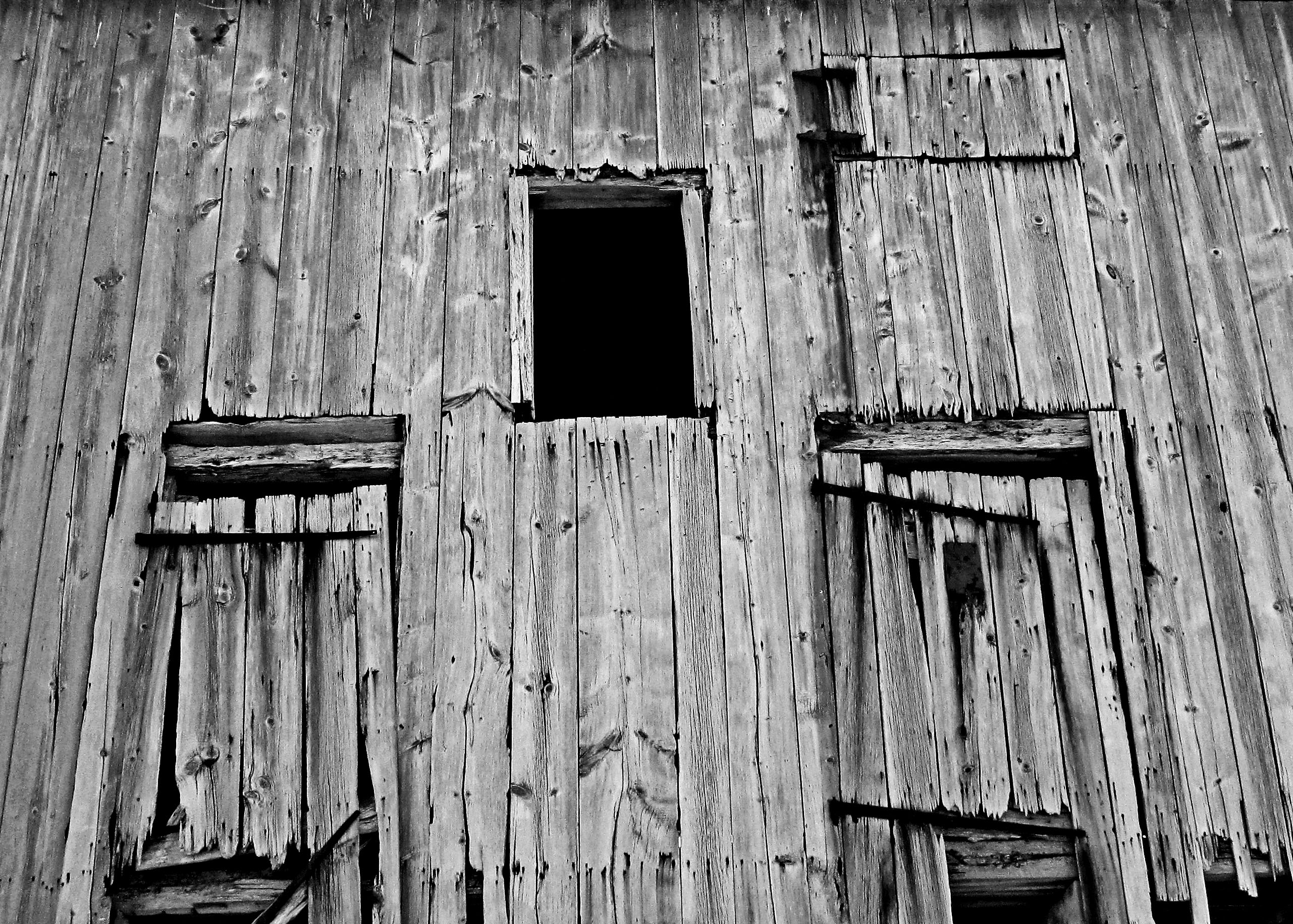 Decaying Wood Planks & Doors On The Side Of Old Barn - Love's ...