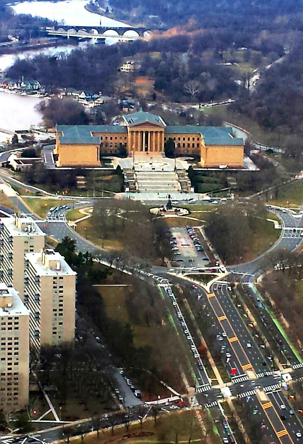 Philadelphia Art Museum On Ben Franklin Parkway