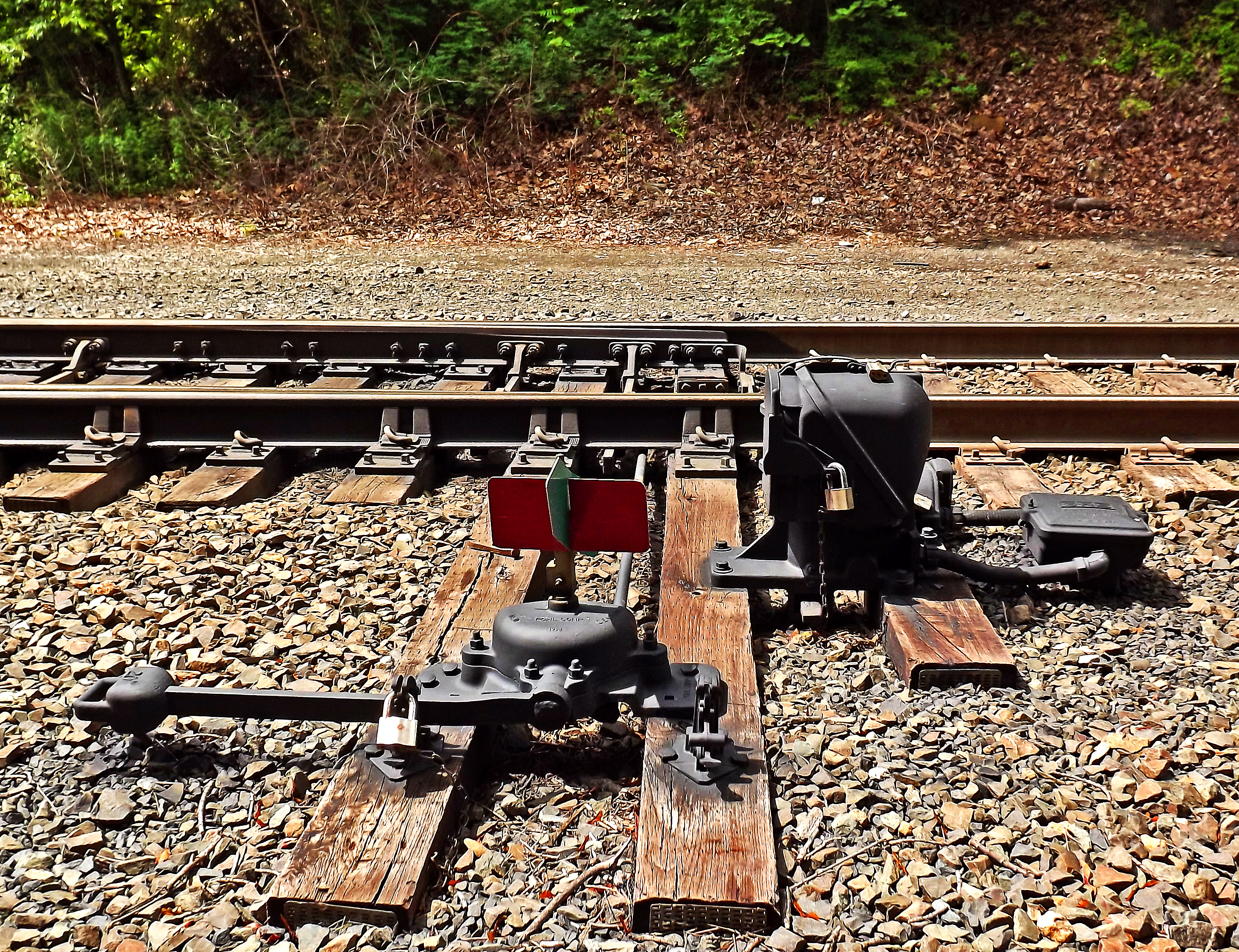 Secured Manual Track Switch